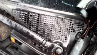 Renault scenic wet floor