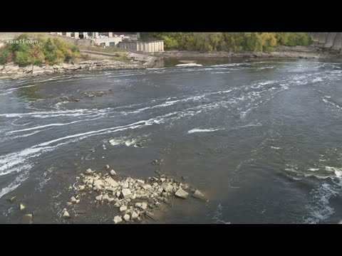 Rare Inspections Draws Crowds To Mississippi River In Minneapolis