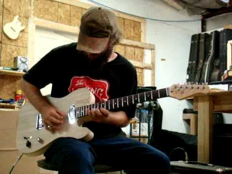 short scale electric guitar demo by scott 24 inch scale 3d jr t fat t in action mpg youtube. Black Bedroom Furniture Sets. Home Design Ideas