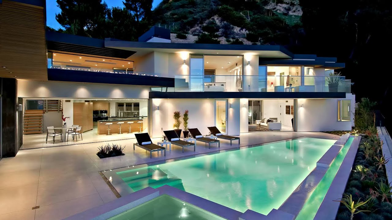 Sophisticated contemporary hollywood hills luxury for Luxury homes for sale la