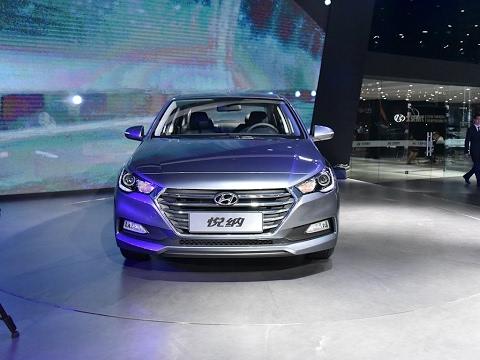2017 Hyundai Verna First Look Walkaround