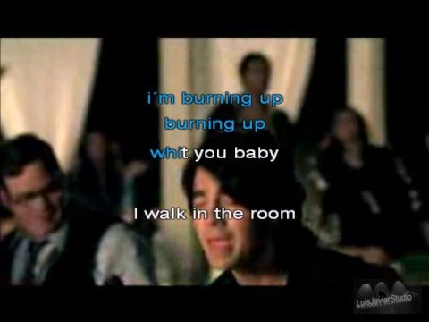 Jonas Brothers-Burning up lyrics