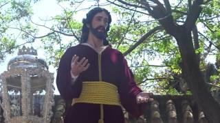 Procesión Gamarra 2017. Cristo, pasando por el arco.