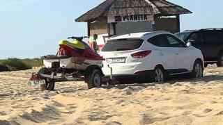 Hyundai ix35 по песку с прицепом