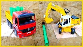 Die Spielzeugautos reparieren die Straße – Video mit Spielsachen auf Deutsch – Lernen und bauen