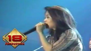 Cokelat - Pergi (Live Konser Tenggarong Kalimantan Timur 16 Juli 2006)