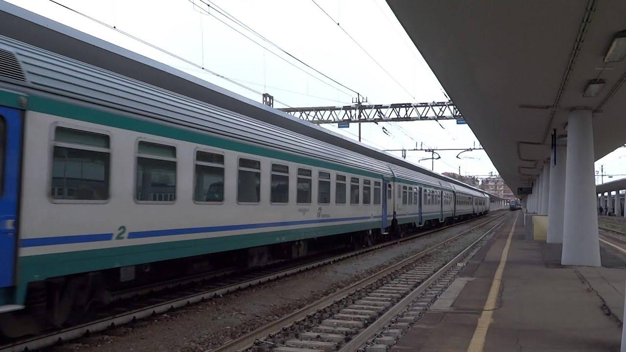 Ecco un treno estivo per torino porta nuova youtube - Orari treni porta nuova torino ...