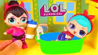 LOL Surprise Doll Friends Eat at Dinner Party with Fingerlings | Ellie Sparkles