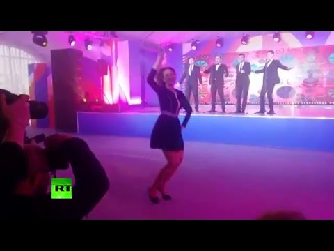 Kalinka groove! Foreign Ministry spokeswoman in fiery Russian folk dance