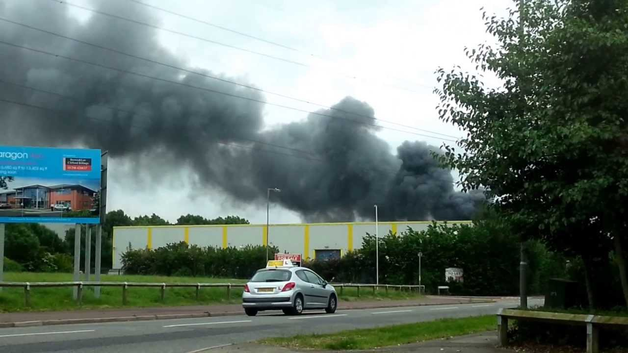 Aylesbury Uk Fire Industry Area 2013 Eurocarparts Youtube