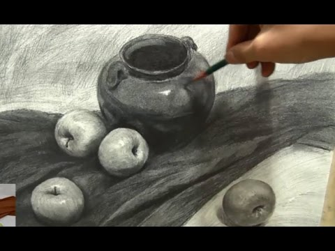 Easy still life drawing tutorial, tips and ideas.