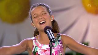 """Eva Jumatates magiska tolkning av """"Never Enough"""" från The Greatest Showma… - Lotta på Liseberg (TV4)"""