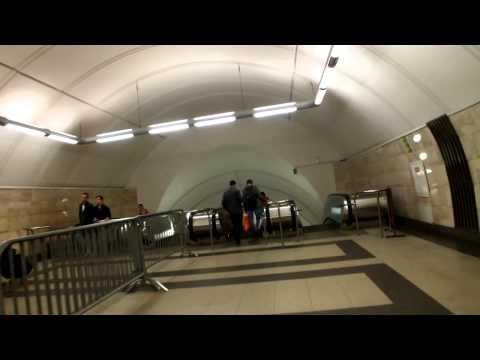 Переход из метро Цветной бульвар на станцию Трубная