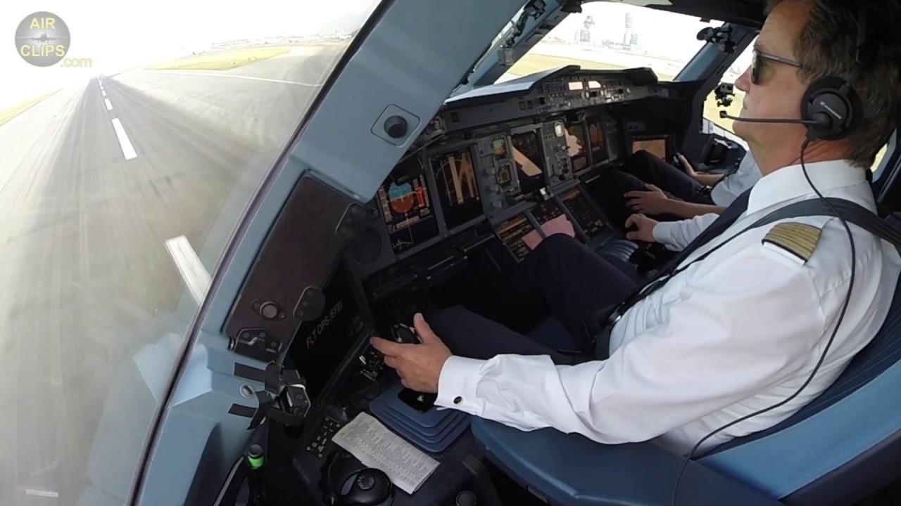 Lufthansa Airbus A380: Captain Helmut's BUTTER Landing in Hongkong!! [AirClips]