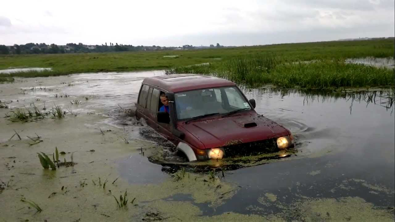 Wiesiek Mitsubishi Pajero OFF-ROAD !!!! - YouTube