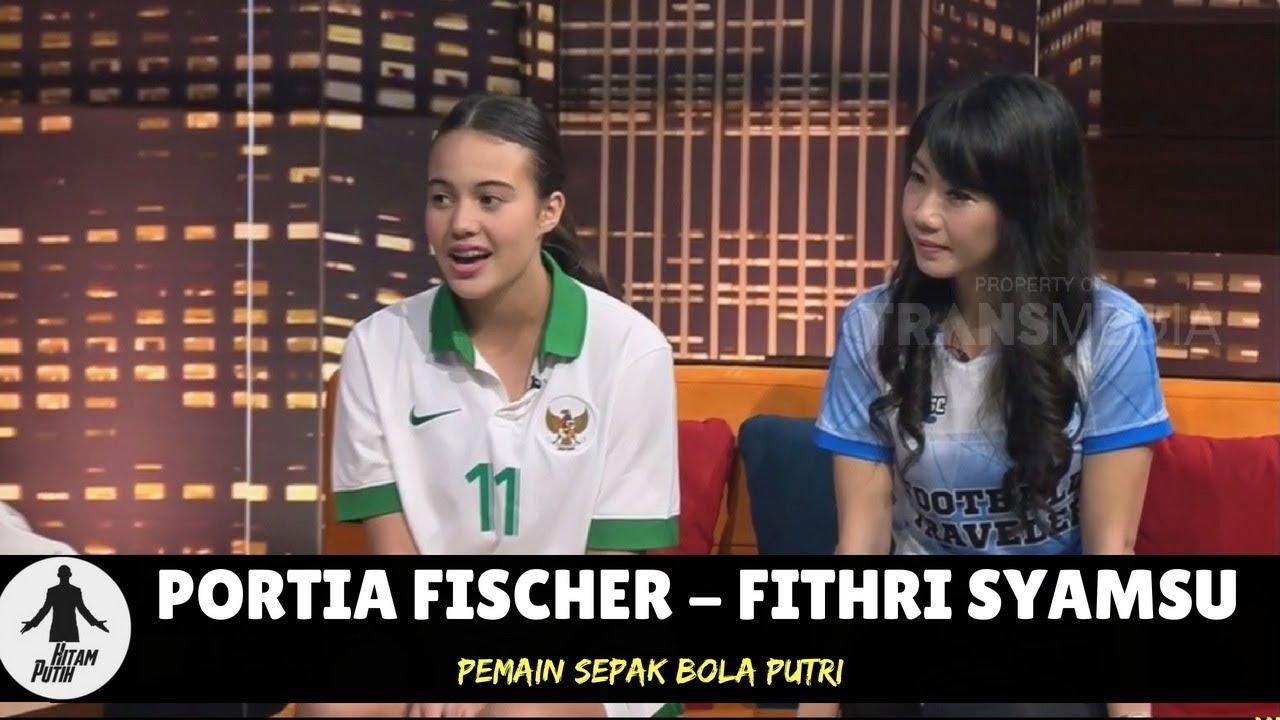 PORTIA FISCHER & FITHRI SYAMSU BIDADARI LAPANGAN HIJAU