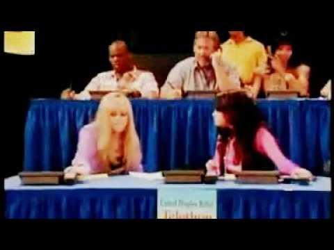Miley Cyrus et Selena Gomez Dans Hannah Montana (Traduction Lyrics)