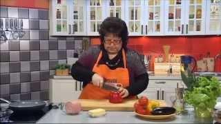 Колбасный гуляш на баклажановом веере