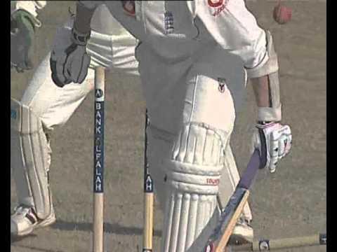 Shahid Afridi 2nd Test Bowling vs England thumbnail