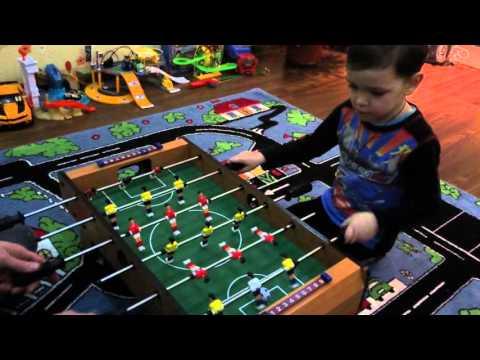 футбол настольная игра объединяет семью в одной веселой игре