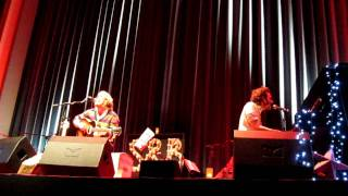 Smith & Burrows - On And On (live @ Babylon Berlin, 17/12/11)