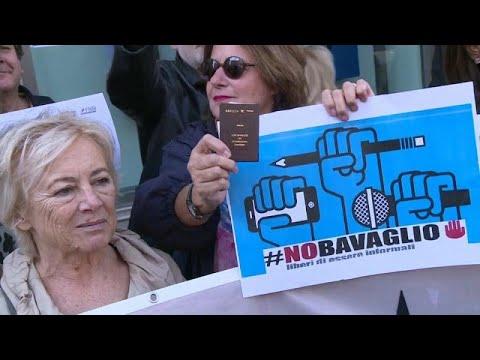 Jornalistas em protesto contra Di Maio