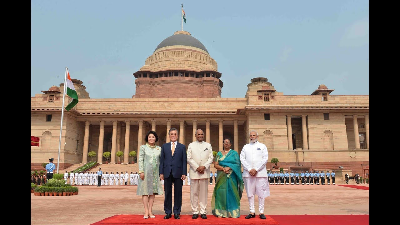 Download President Kovind accords a ceremonial welcome to President Moon Jae-in of South Korea