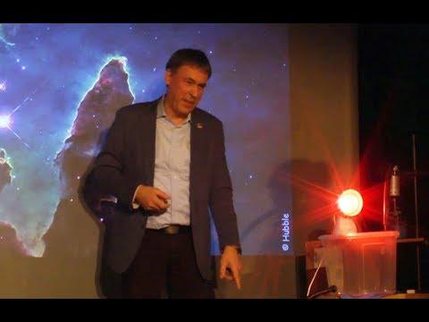 Science Pub: Mit dem Teleskop in die Steilkurve oder warum Astronomen fliegen lernen