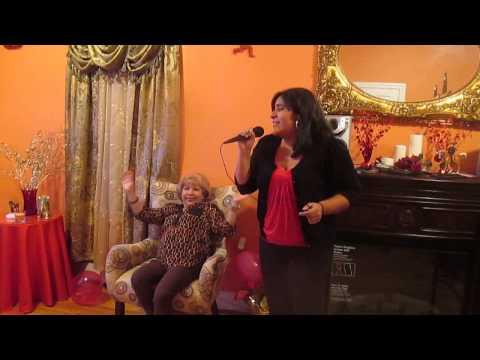 Karaoke - Brenda una de las mejores voces de New Jersey