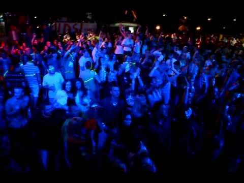 Dj Folly & Gapa Live - Motel Kamenec 13.08.2011 (Pravá Ibiza párty vs. Hawai párty)