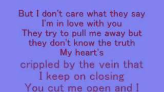Leona Lewis- Bleeding love *lyrics*