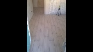 Уложена плитка на пол кухня и прихожая - Обзор проделанной работы