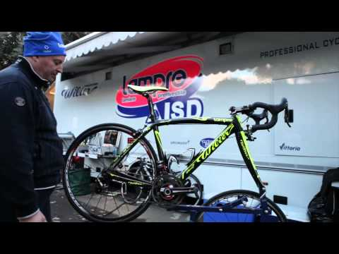 The New Campagnolo Record Eps on the Damiano Cunego's Wilier Zero.7