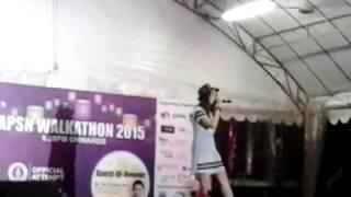 lin si tong singing (小小故事)