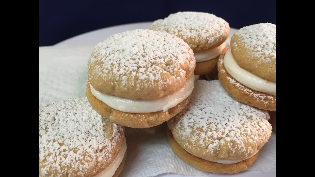 Mar 14, · Polish Cream Cheese Cookies (aka Kolaczki or Kolacky) March 14, Flaky, buttery, and rich, these Polish Cream Cheese Cookies, also known as Kolaczki or Kolacky, are traditionally made for Christmas and other holidays.5/5(3).