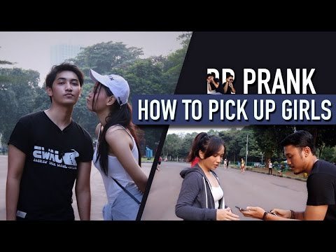 KISSING PRANK IN JAKARTA (How To Pick Up Girls)