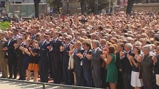 Applause breaks out after minute's silence for Barcelona attack victims