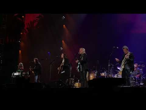 Hotel California - by The Eagles - live