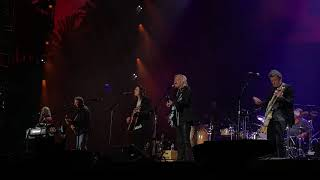 vuclip Hotel California - by The Eagles - live