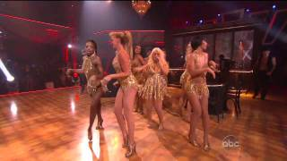Christina Aguilera - Show Me How You Burlesque (Live 11.23.10) [TheSuperHD Video]