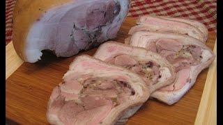 Рулет из свиной рульки(Замечательный рулет из свиной рульки. Попробуйте приготовить! Подробный рецепт здесь - https://kyxarka.ru/news/1334.html., 2012-05-23T18:48:17.000Z)