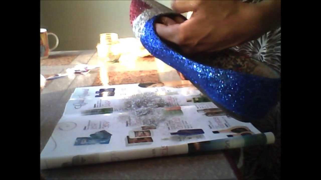Como hacer la Bandera Dominicana en zapatos con glitter