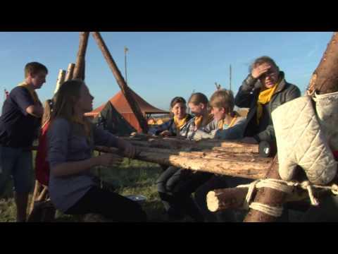Hæren Hjælper Spejdere Med Telte