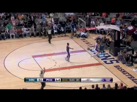 Corey Brewer dunks on Robin Lopez