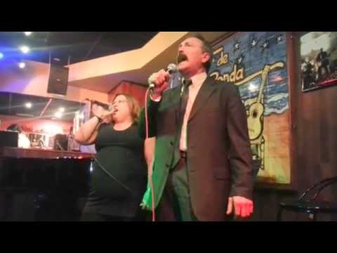 """Hoy tengo ganas de ti"". Noche de Ronda (Karaoke).Valencia Abril 2014"