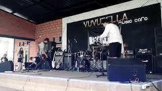 NTHREEP ( MALANG MELODIC PUNK ) LIVE AT VUVUZELA MUSIC CAFE PARE