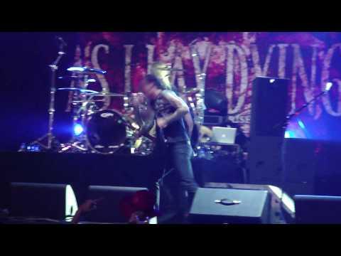 AS I LAY DYING - An Ocean Between Us (Graspop 2010 live)