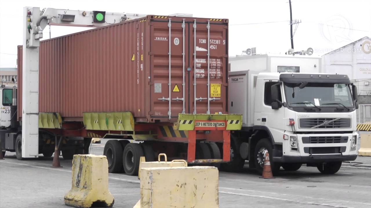 Customs show how X-ray trucks scan containers in the port area