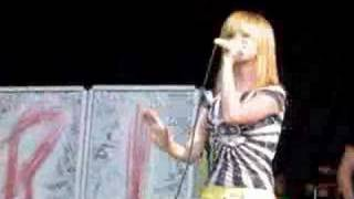 """Misery Buisness"" Paramore  @  Vans Warped Tour 8/5/07 NJ"
