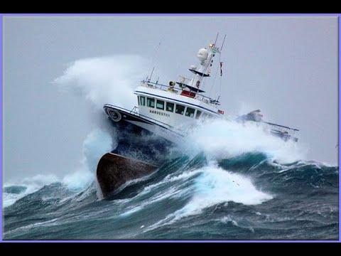 УЖАСНЫЙ ШТОРМ В Океане! Большие Волны 12 баллов! Шок! Корабль в Шторм. Storm In The Ocean!